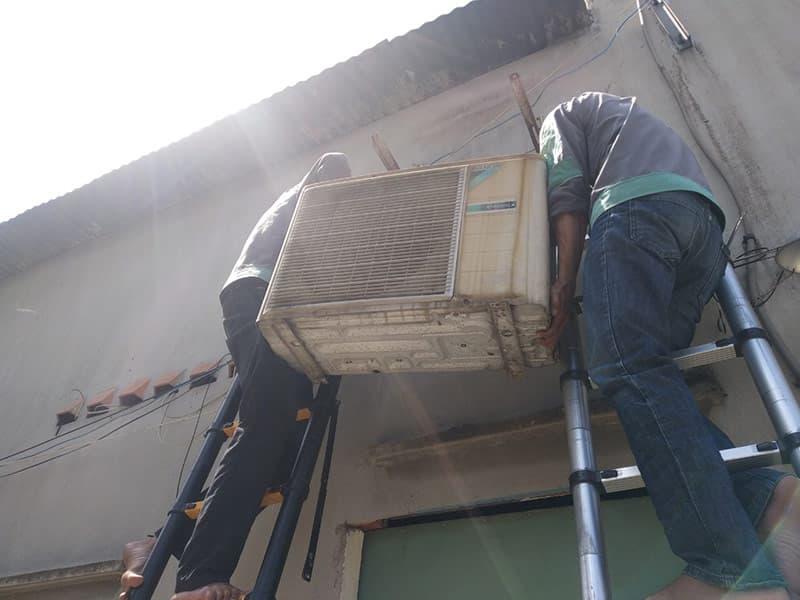 Tháo lắp máy lạnh giá tốt tại TP HCM