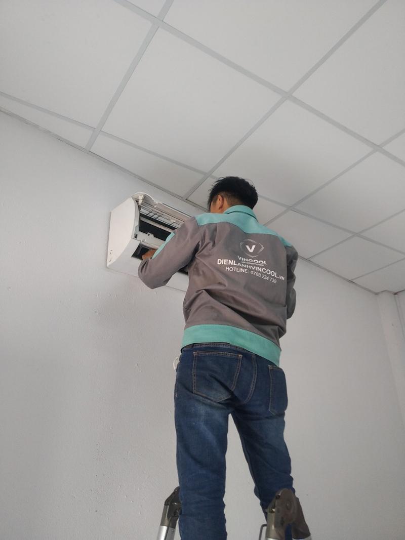Cách sửa máy lạnh Inverter an toàn tiết kiệm