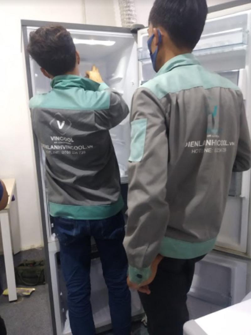 Cách sửa tủ lạnh bị chảy nước?