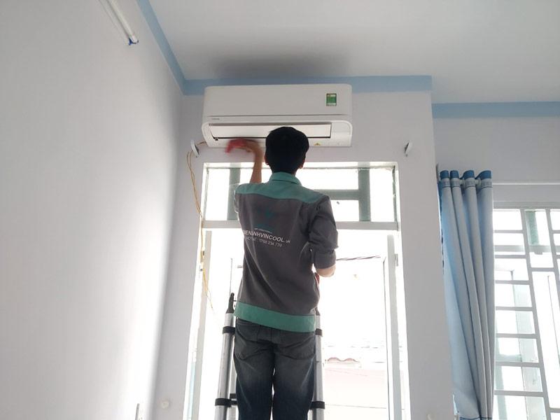 Máy lạnh được vệ sinh kỹ lưỡng trước khi bàn giao cho khách hàng