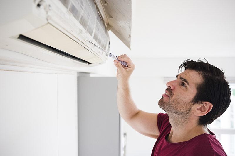 Công việc di dời máy lạnh quá phức tạp và rủi ro nếu bạn chưa có nhiều kinh nghiệm.