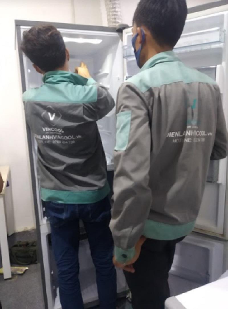 Hướng dẫn sửa tủ lạnh rung lắc, kêu to bất thường