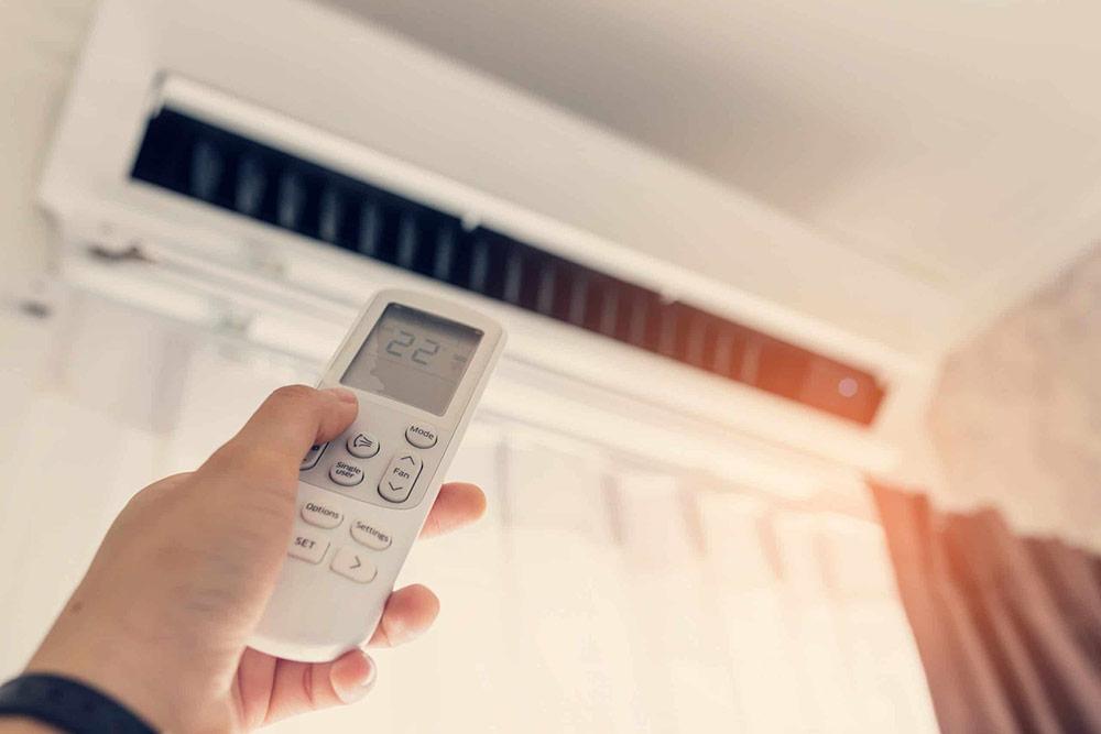Mắt thần của máy lạnh bị hư hỏng sẽ không thể nhận được tín hiệu từ remote.