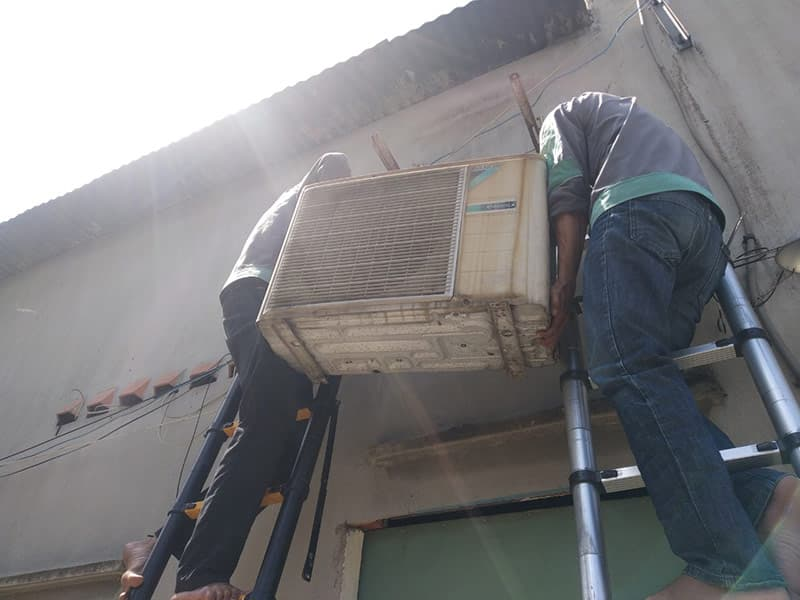 Lắp đặt máy lạnh sao cho an toàn vào mùa mưa?