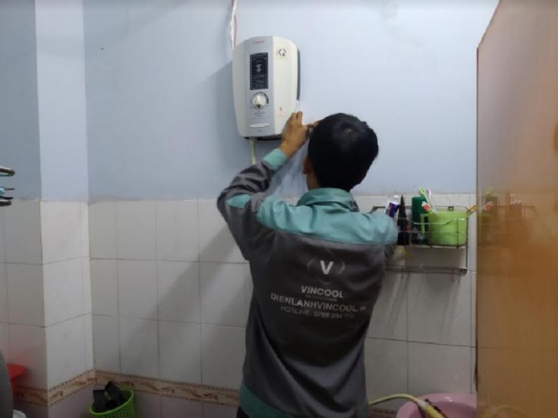 Nên mua máy nước nóng trực tiếp hay gián tiếp?