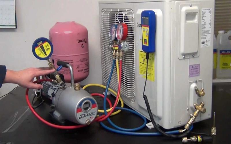 Thay gas cho máy lạnh nên dùng loại nào?