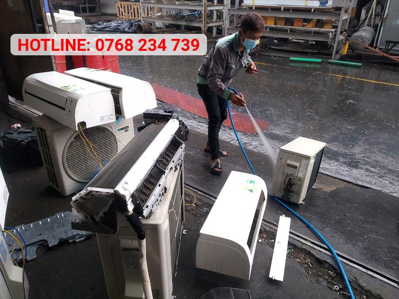 Dịch vụ vệ sinh máy lạnh Quận 8 giá rẻ, chuyên nghiệp tại nhà