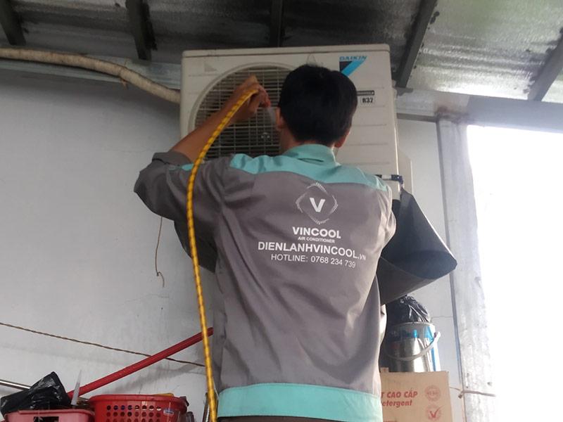 Vì sao nên chọn dịch vụ vệ sinh máy lạnh quận Bình Thạnh tại Điện Lạnh Vincool