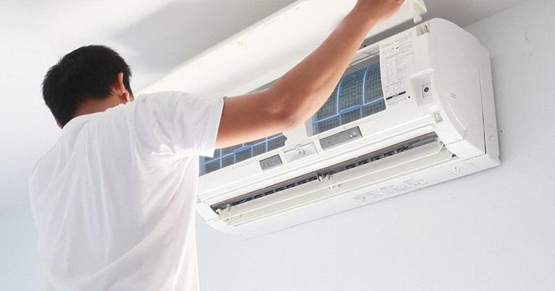 Có thể tự vệ sinh máy lạnh được không?