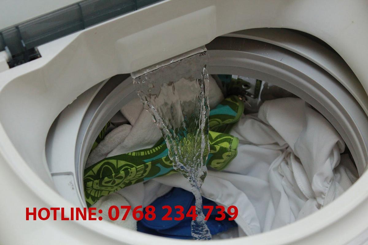 Nguyên nhân và cách sửa máy giặt quận 12 xả nước liên tục
