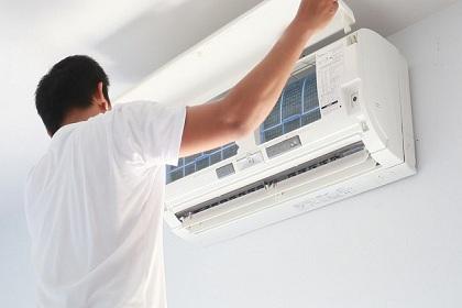 Sửa máy lạnh Quận 4 và nguyên nhân máy bị chảy nước bạn nên chú ý