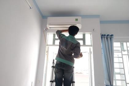 Vệ sinh máy lạnh Quận 7 và các bước giúp bạn hiểu rõ quá trình làm sạch cục nóng