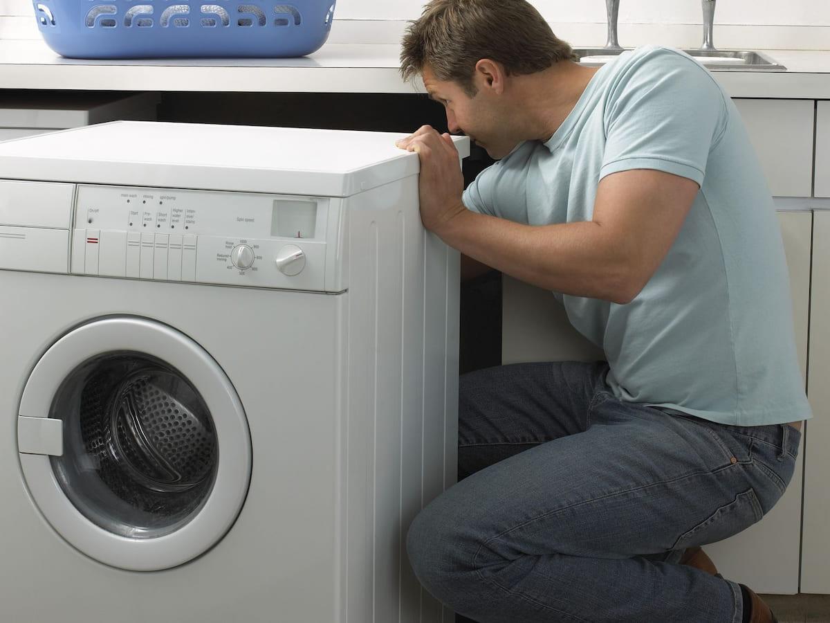Kiểm tra nguồn điện máy giặt trước tiên khi gặp trường hợp máy giặt không lên nguồn