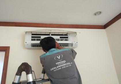 Kinh nghiệm sửa máy lạnh chảy nước tại nhà hiệu quả và nhanh chóng
